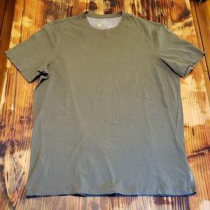 Eddie Bauer Shirt. Men's Size TL. In EUC!